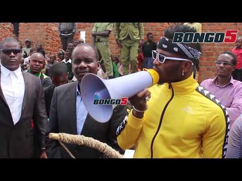 DIAMOND: Nataka Rais Magufuli aione video hii/ Nitajenga Shule/ Muziki sio uhuni