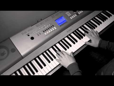 [HQ] Clubbed to death - The Matrix (Piano cover)