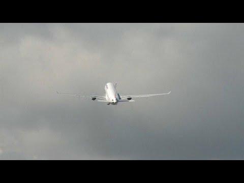 Coronavirus: le secteur aérien en difficulté, les compagnies prévoient de supprimer des emplois