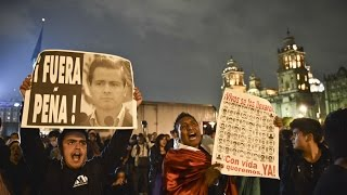 Mexican protesters flood capital, pressure government on missing students