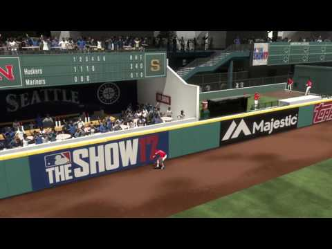 MLB The Show 17 Diamond Dynasty Event Clip (Robbing 99 Ed Matthews homerun)
