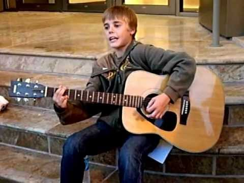 Justin Bieber Singing Before He Was Famous -13 Years Old