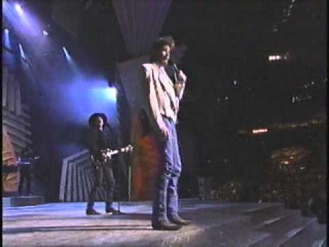 "Brooks & Dunn ""That Ain't No Way To Go"" live at the 1994 ACM Awards"