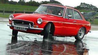 'Drifting' my MGB GT :)