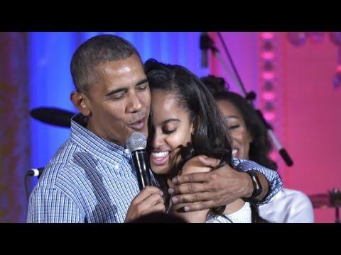 Barack Obama avergonzó a su hija Malia en el último festejo de cumpleaños en la Casa Blanca
