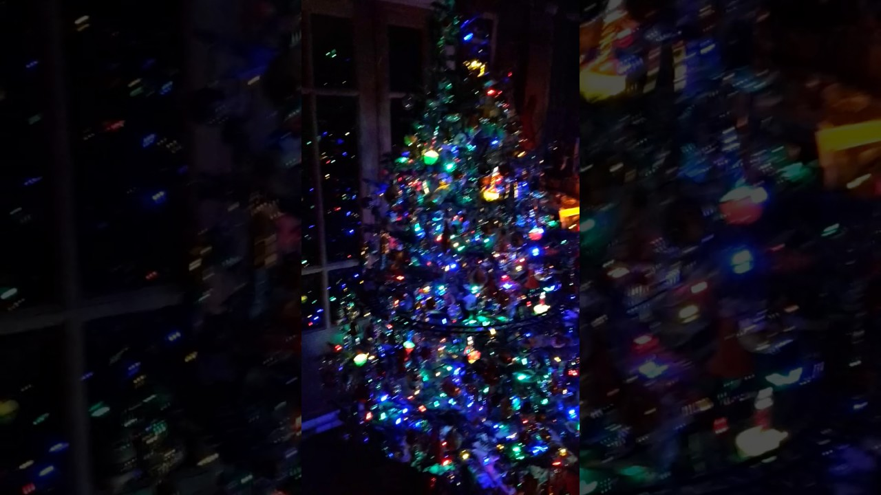 vintage christmas tree with bubble lights and train - Christmas Tree Bubble Lights
