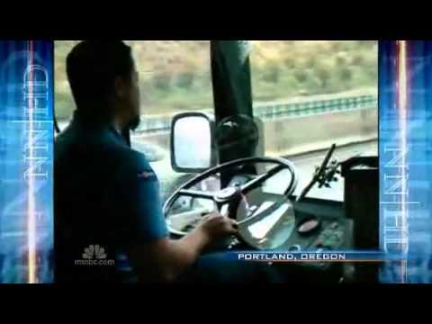 Bus Driver Reading Amazon Kindle While Driving - NOT Recommended