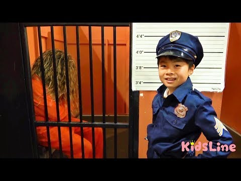 牢屋 犯人 逮捕!脱獄? けいさつごっこ うきわ屋さん お金じゃ買えない? プール おゆうぎ こうくんねみちゃん Pretend Play Cop LOCKED UP jail