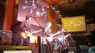 REO Brothers @ Hard Rock Cafe Makati - Nowhere Man (Beatles cover)