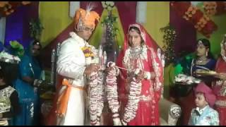 funny Indian Wedding of imamatured Bride&Groom...Dulha Dulhan Funny Video