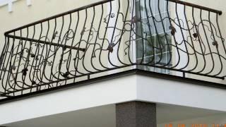 Выносной балкон на колоннах в частном доме, перила(посмотреть http://kovka-dveri.com ..Выносной балкон на колоннах в частном доме, перила. Выносной балкон на колоннах..., 2016-09-17T11:09:24.000Z)