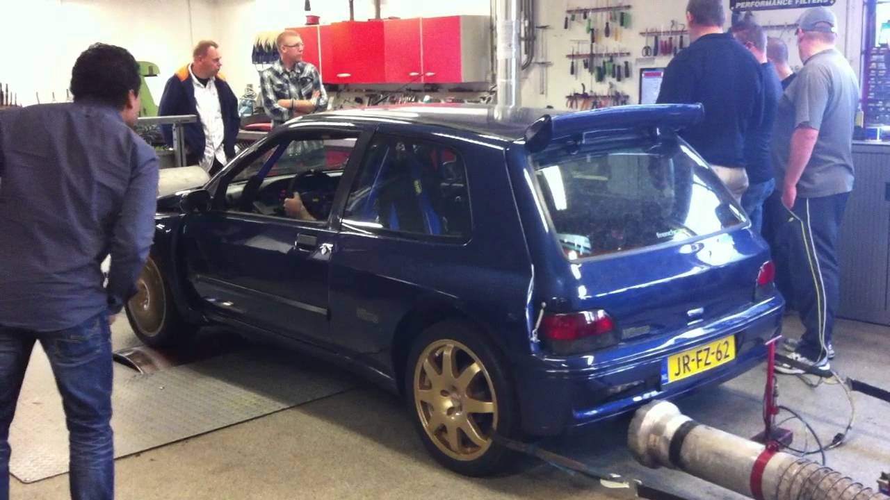 Renault Clio Williams 2 0 16v with maxi bodykit on Dyno