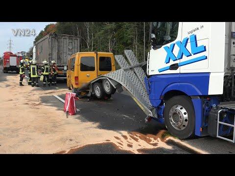 14.10.2019 - VN24 - Kleinbus Auf A1 Bei Hagen Zwischen Zwei LKW Eingeklemmt