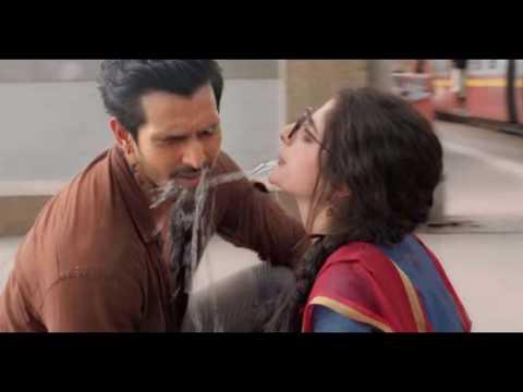 Mawra Hocane Hot Kissing Scene from SANAM...