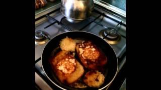 Учимся готовить яичницу яйцо в лукошке.3часть