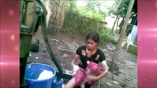 গ্রামের মেয়ে নিজেই নিজের গোসলের ভিডিও মোবাইলে ভিডিও করলেন ,   YouTube