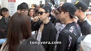 BTS Bangtan Boys lands in the usa for the first time and show love to fans at LAX MP3