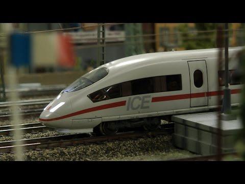 Hamburger Modellbahn im Miniatur Wunderland mit Bahnhof Dammtor und Hauptbahnhof