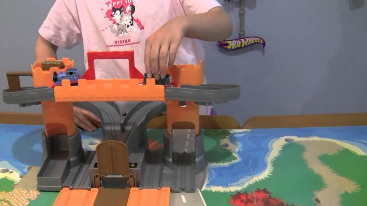 Thomas And Friends Take N Play Thomas Adventure Castle