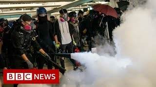 Fire extinguishers and soap at Hong Kong protest - BBC News