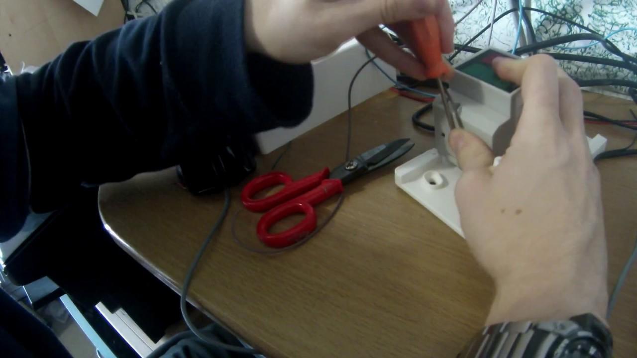 Schema Elettrico Voltmetro Per Auto : Tutorial come collegare voltmetro amperometro din a quadro