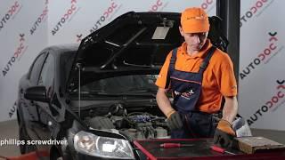 How to replace Accessory Kit, disc brake pads on HONDA LEGEND III (KA9) - video tutorial