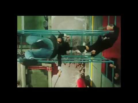 Jackie Chan Parkour / Freerunning (stunts) Compilation