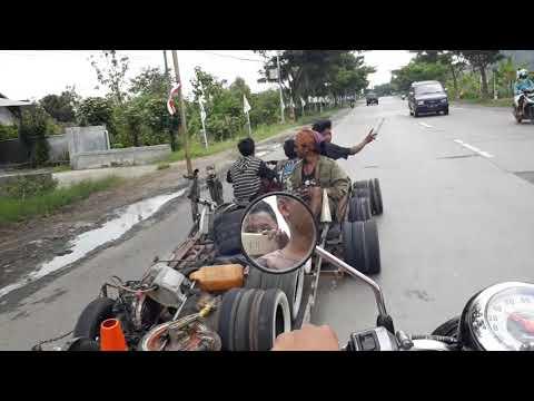 Vespa Rosok Road To Sabang Kilometer 0 Indonesia