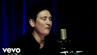 Play Blue Velvet (Ft. K.D. Lang)