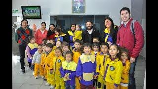 Jardineritos y alumnos secundarios visitaron época en el Día del Periodista