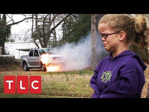 ¡Camioneta se incendia con mamá Johnston dentro! | Una gran familia | TLC Latinoamérica