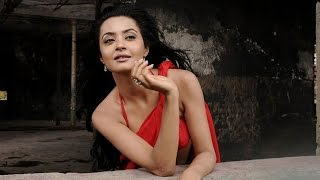 Surveen Chawla reveals when director asks her to sleep with him | Filmibeat