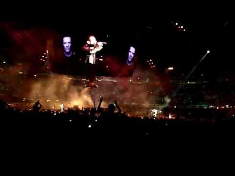 U2 Barcelona 2009-07-02 I'll Go Crazy If I Don't Go Crazy Tonight (remix version) - U2gigs.com