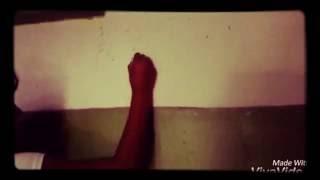 Клип 《На стене в твоём подъезде》читать описание