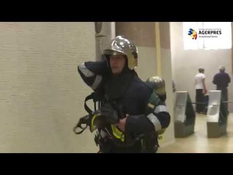 Incendiu la metrou. Sute de persoane au fost evacuate