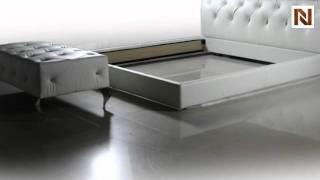 Sophia - White Leather Tufted Platform Bed Vgdvls408a