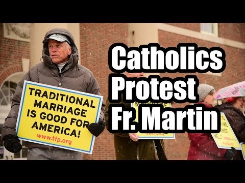 Catholics Protest Pro-LGBT Priest Fr. James Martin in Chicago and Cincinnati
