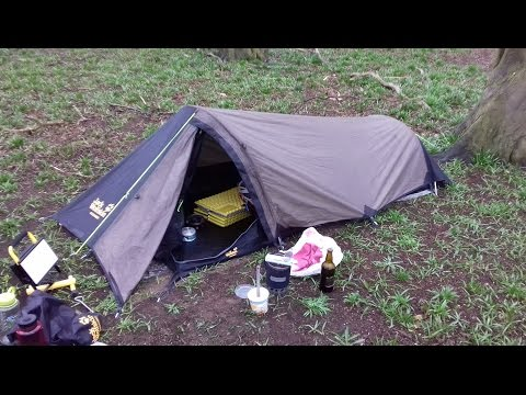 WILD CAMP IN THE RAIN WITH THE JACK WOLFSKIN GOSSAMER BIVVY TENT (20/3/17)