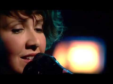 Carolina Wallin Perez - Utan Dina Andetag (Live Nyhetsmorgon 2010)