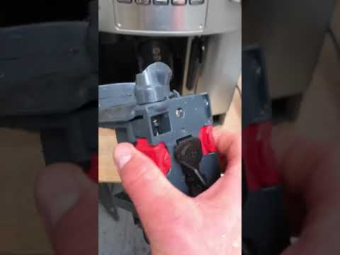 [Explained] Cleaning Your Delonghi Magnifica Espresso Machine