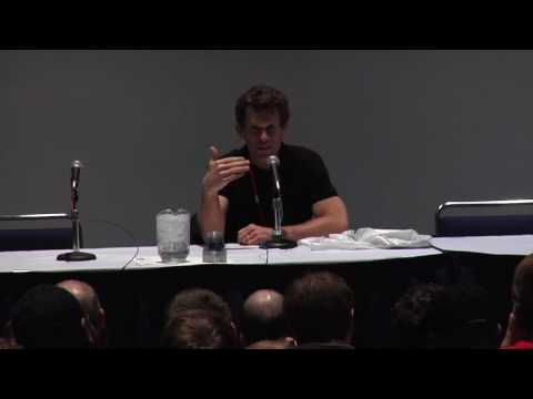 C2E2: Kevin Conroy Disses Christian Bale's Batman Voice