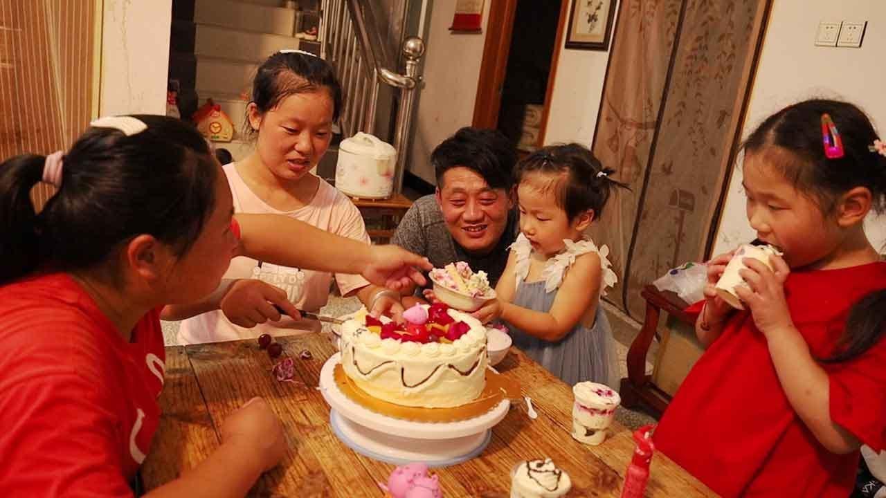 外甥女过生日,胖妹带女儿去蹭饭,自制蛋糕很温馨,六菜一汤!【陈说美食】