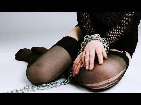 Порно жопастыми продать в сексуальное рабство рост