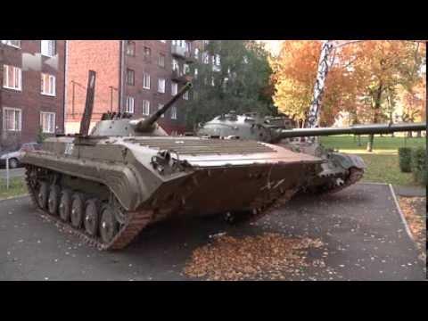 Танки в Кузнецке вандалы превращают в металлолом