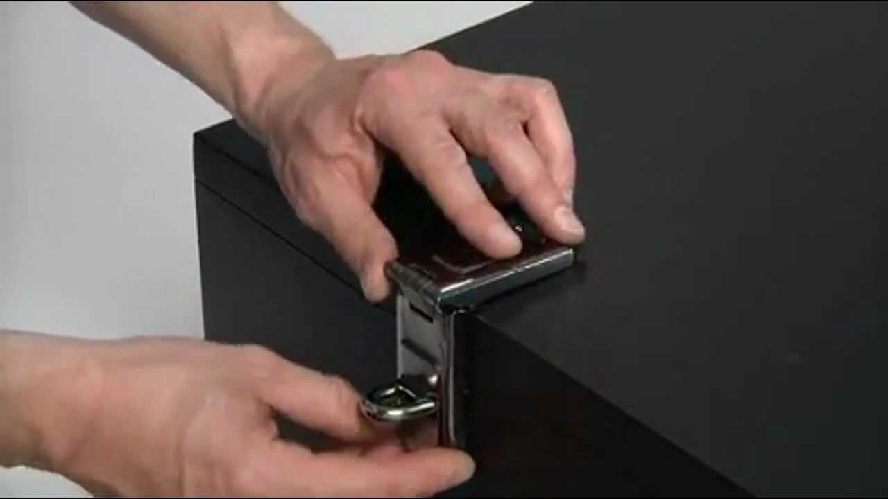 Master Lock 7 1 4in Straight Bar Heavy Duty Hasp Model