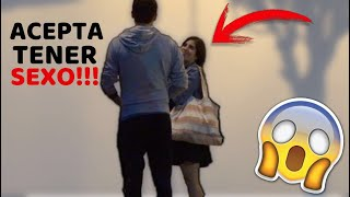 Download Video PAGANDO A SEÑORAS POR SEXO (BROMAS EXTREMAS EN LA CALLE) MP3 3GP MP4