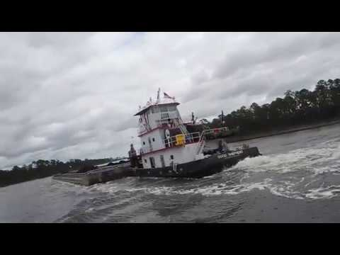 Barge meet ICW LA