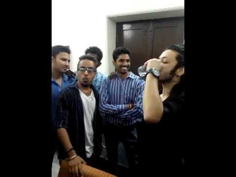 rV live Rapping with A-bazz in Dyal singh college