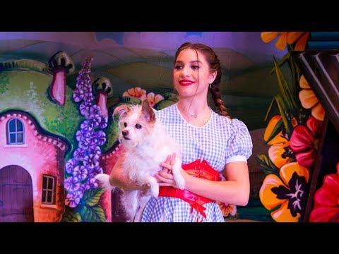 Mackenzie Ziegler in Winter of Oz | Behind the Scenes | Radio Disney letöltés