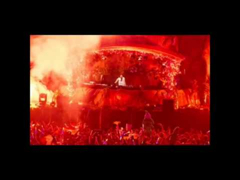 Steve Aoki & Flux Pavilion - Get Me Out Of Here (Tomorrowland 2013)